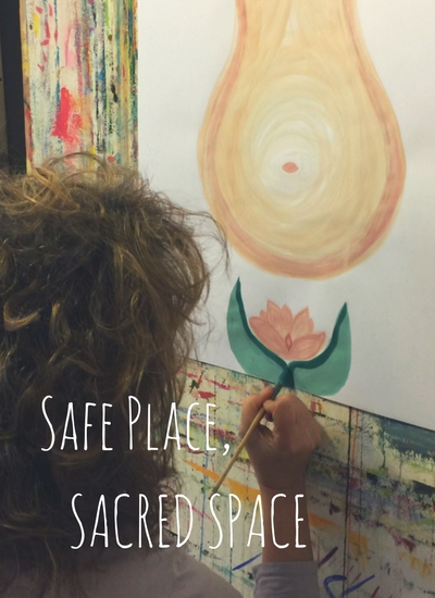 A woman process painting at The Esalen Institute | The Painting Experience
